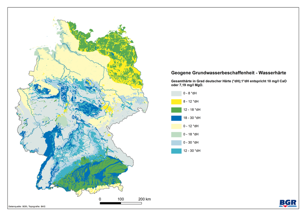 Das Bild zeigt eine Deutschlandkarte auf der die Wasserhärte in den verschiedenen Regionen Deutschlands farblich dargestellt wird.